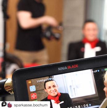Interviewpartnerin beim Dreh zum Film der Sparkasse Bochum